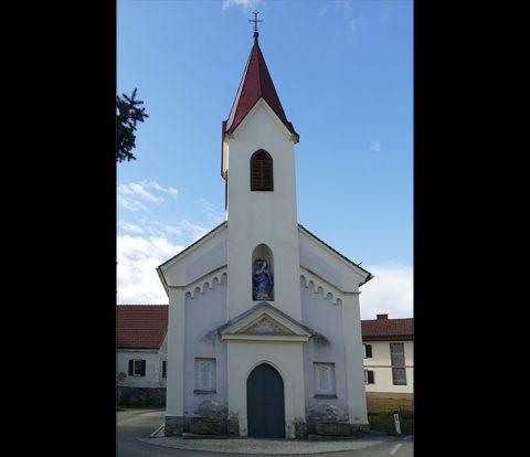 Westfassade der Kapelle (© Manuela Arneitz)